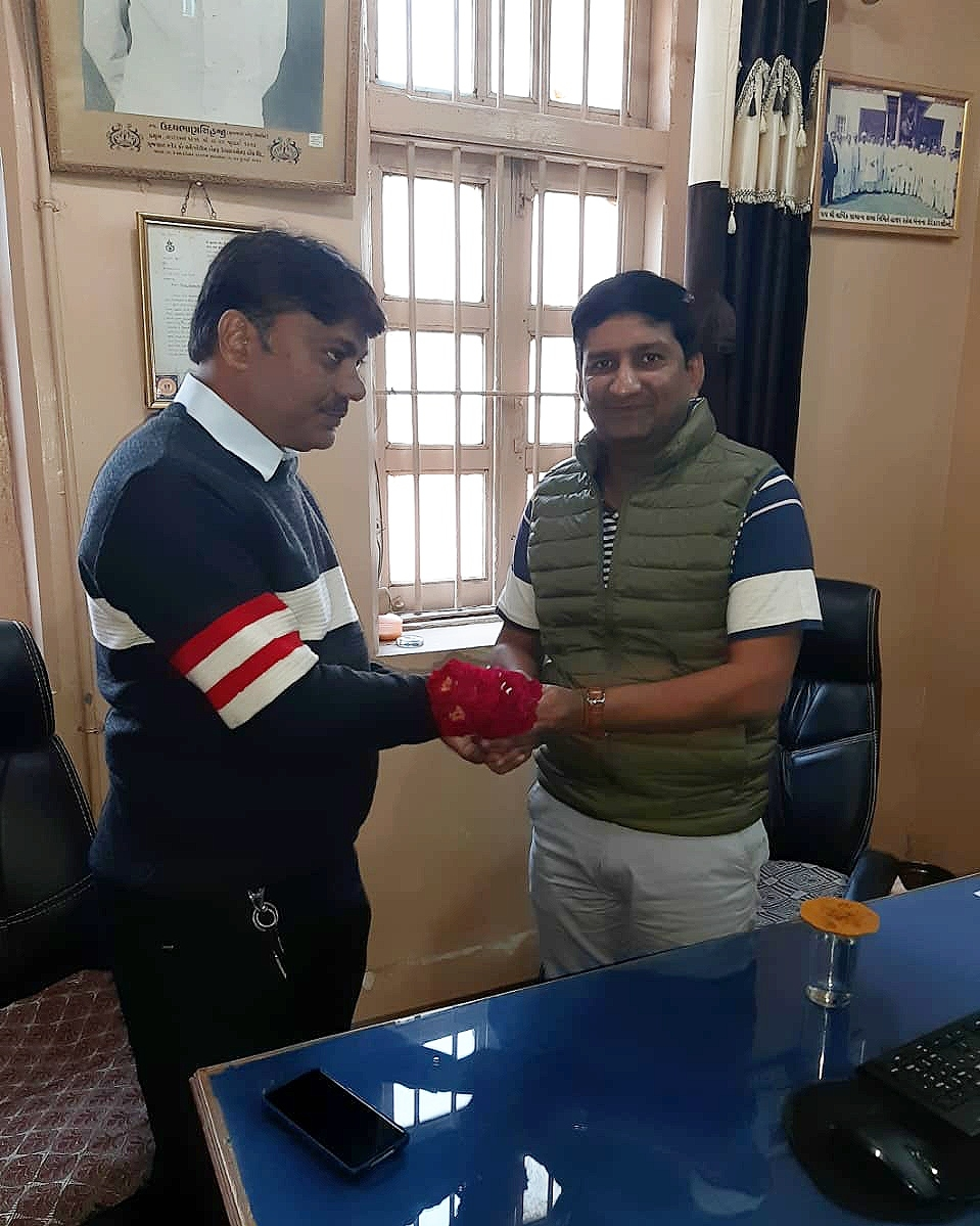 Shri P.S.Upadhyay-Hon'ble Custodian visit at Nadiad Dist.Office Overall review with Dist.Manager.